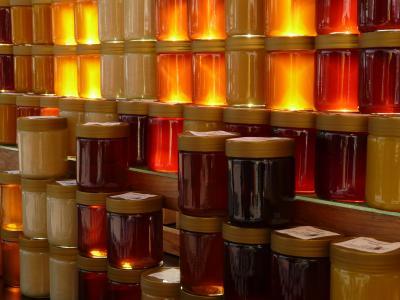 准备出售蜂蜜新鲜的罐子全高清壁纸和背景图像