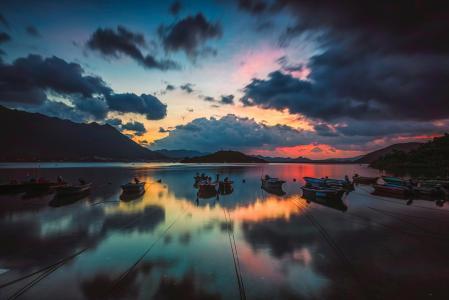 小鱼港迷人的傍晚风光