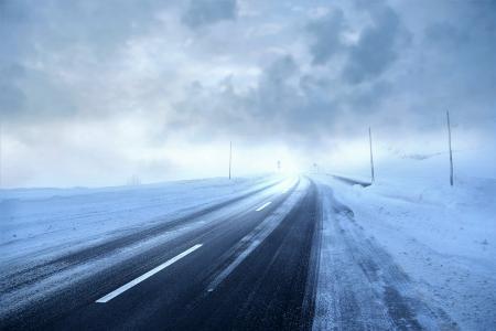 冬季道路风暴5k视网膜超高清壁纸和背景