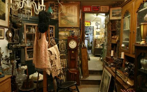 Chez un antiquaire de Montreal全高清壁纸和背景图片