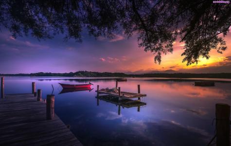 日落湖全高清壁纸和背景上的船