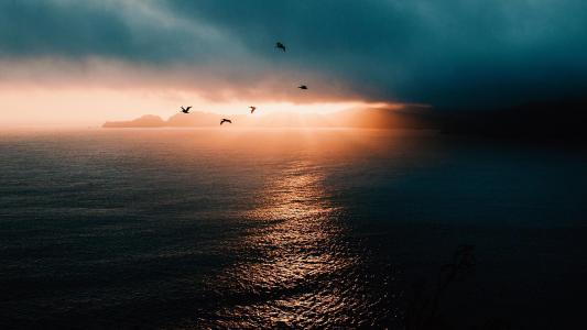 夕阳落幕前的演奏